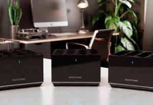 Lee más sobre el artículo NETGEAR presenta el Nighthawk Tri-band Mesh WiFi 6, un sistema de redes en malla con WiFi 6 y velocidades de hasta 3,6 Gbps